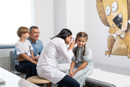 Pediatra enel-med - badanie laryngologiczne