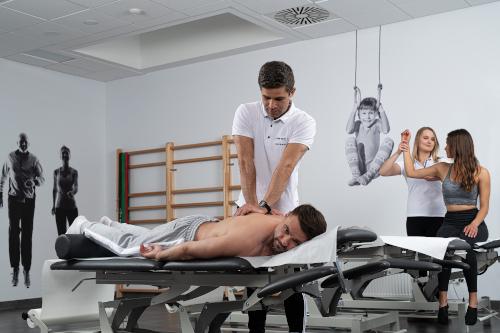 Rehabilitacja enel-med - poradnia bólu pleców