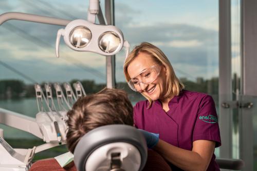 Stomatologia enel-med - leczenie stomatologiczne