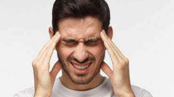 Nieprawidłowy zgryz a ból głowy – zobacz, co powoduje migreny.